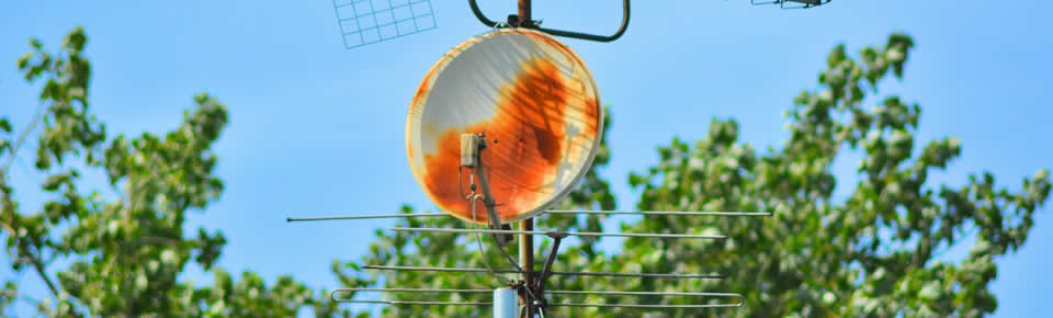 damaged aerial rusting and no paid tv reception