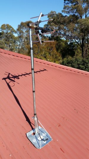 tin roof  mount for tv Antenna  GALVANISED  HEAVY DUTY  WITH POLE OZ MADE 5 PACK